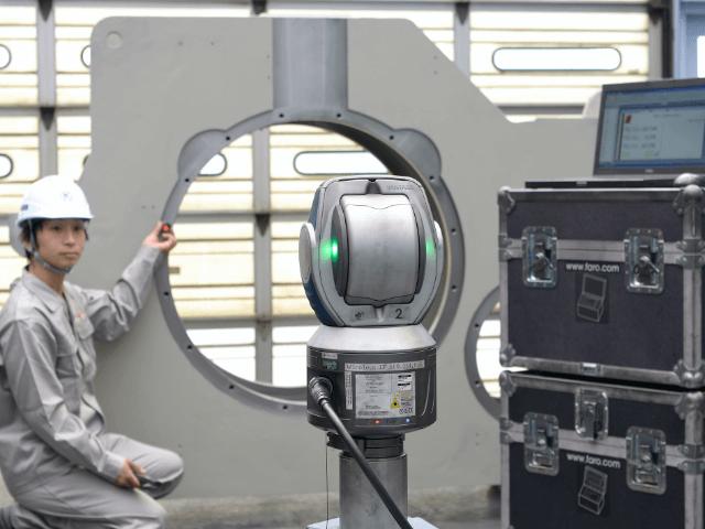 レーザートラッカー三次元測定機